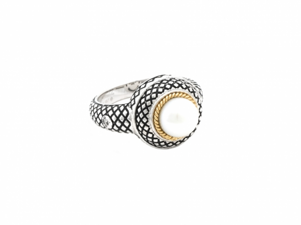 Andrea Candela Pearl Ring by Andrea Candela